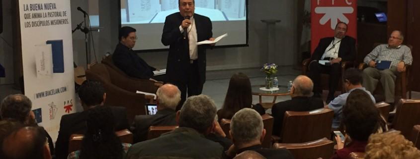 presentación del Nuevo Testamento de la BIA en México DF 8 septiembre 2015