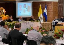 Biblia de la Iglesia en América BIA presentada en Tegucigalpa a los obispos América Latina y el Caribe mayo 2019
